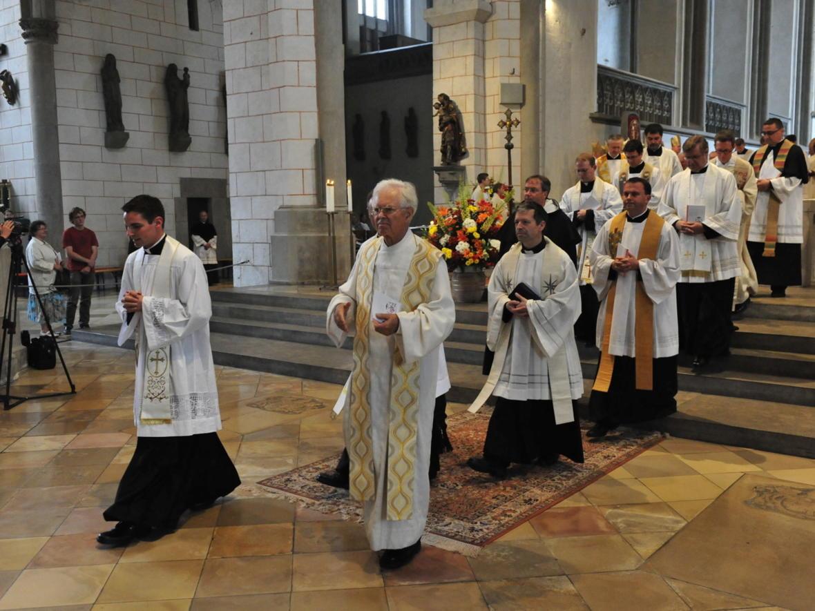 Bischofsweihe_20120728_09-45-16