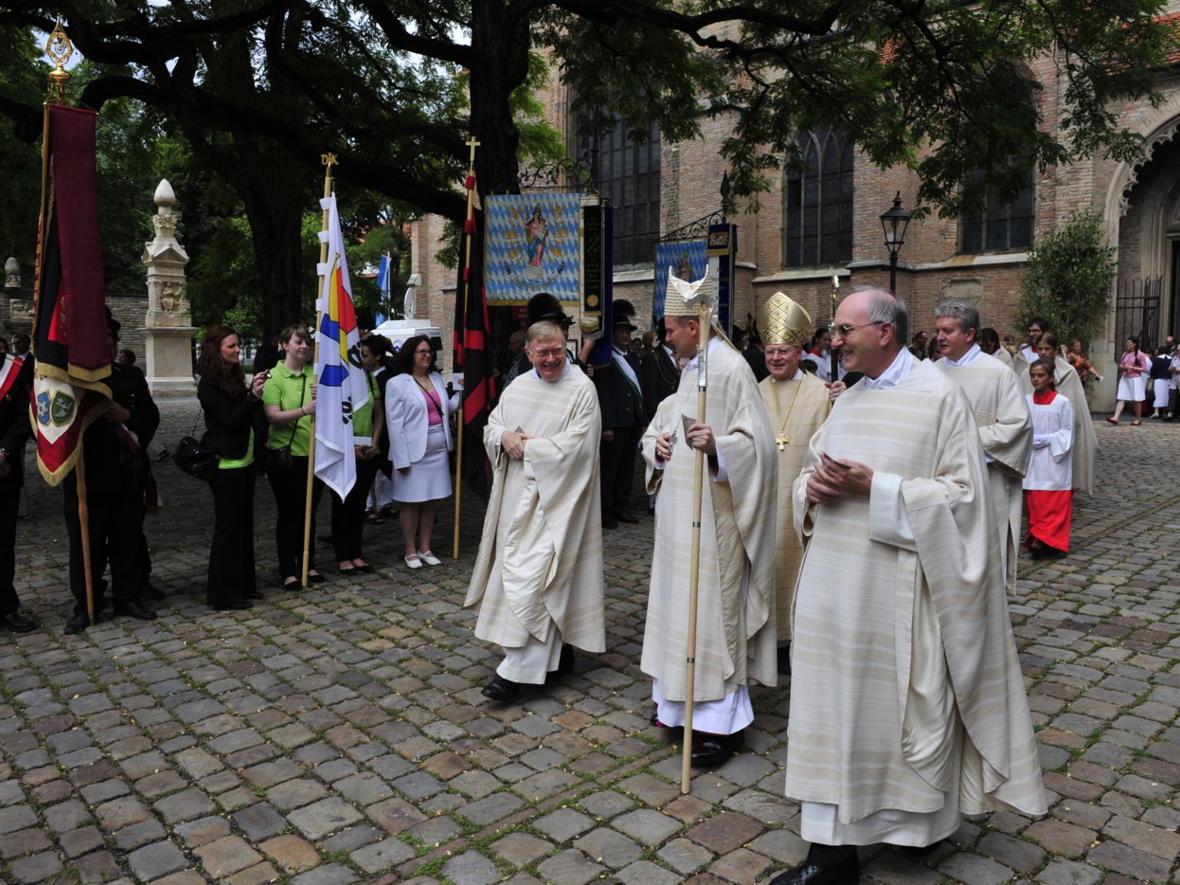 Bischofsweihe_20120728_09-49-05