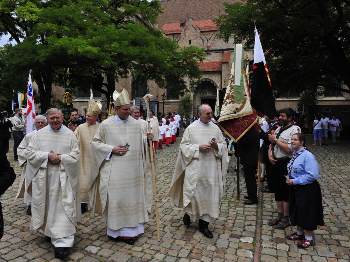 Bischofsweihe_20120728_09-49-19