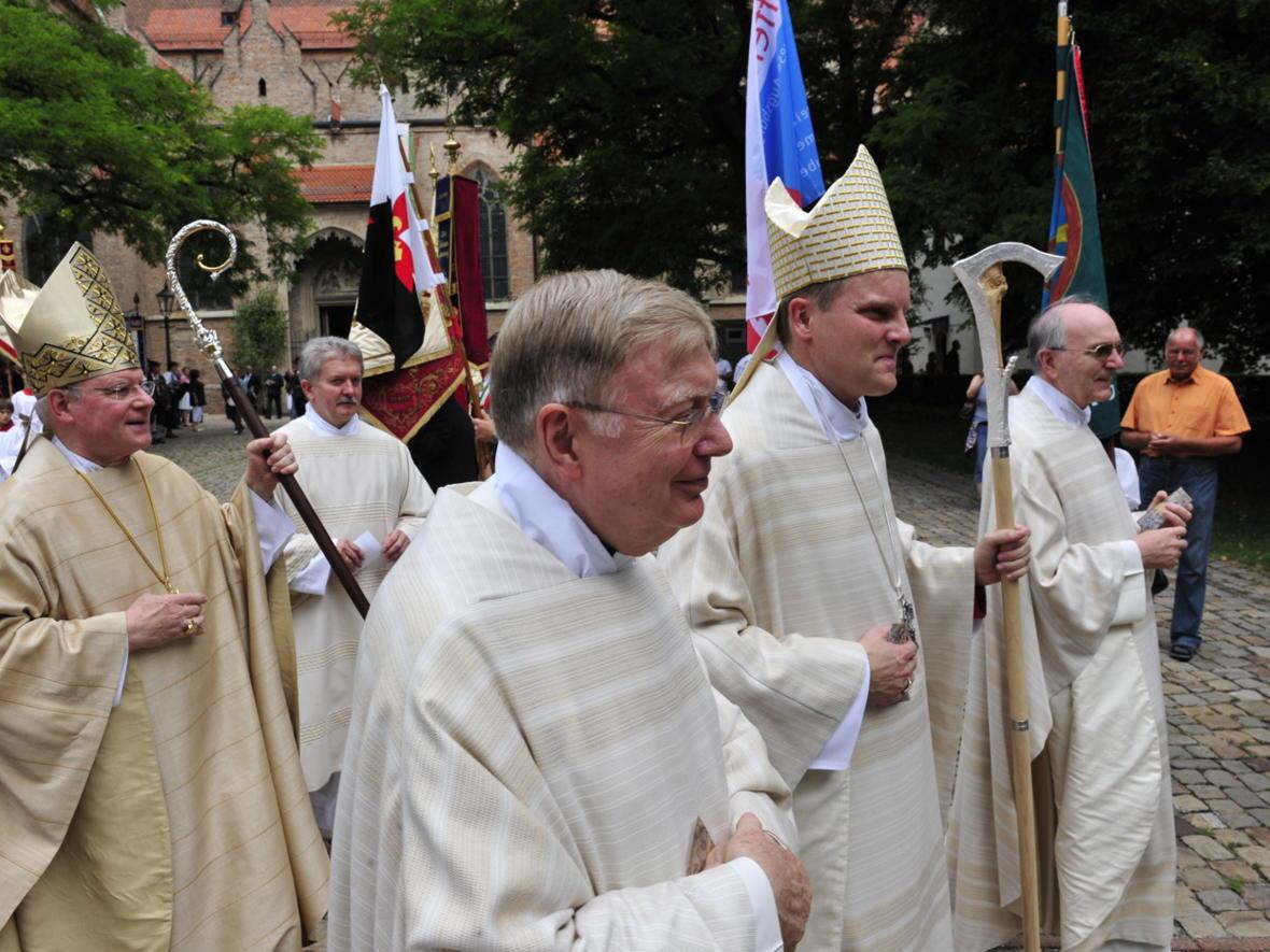Bischofsweihe_20120728_09-49-29