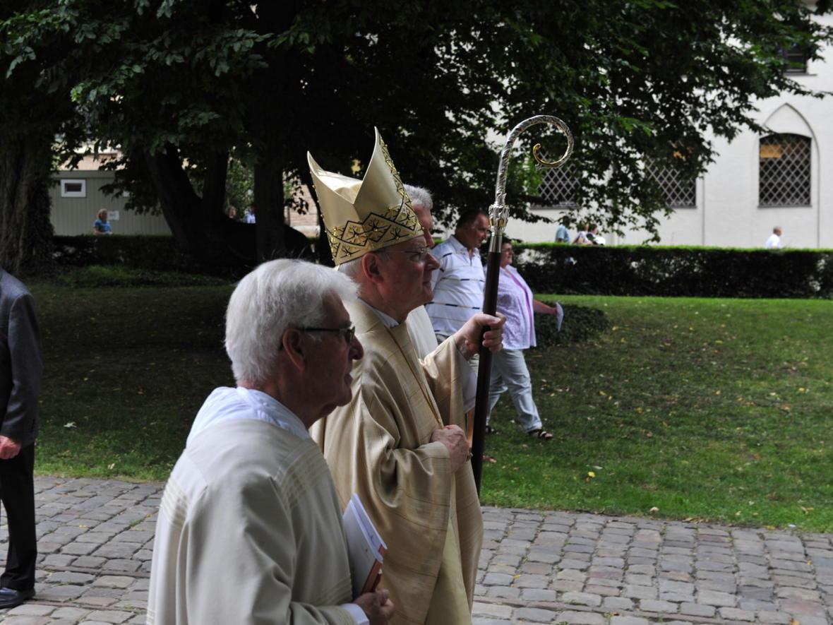 Bischofsweihe_20120728_09-49-40