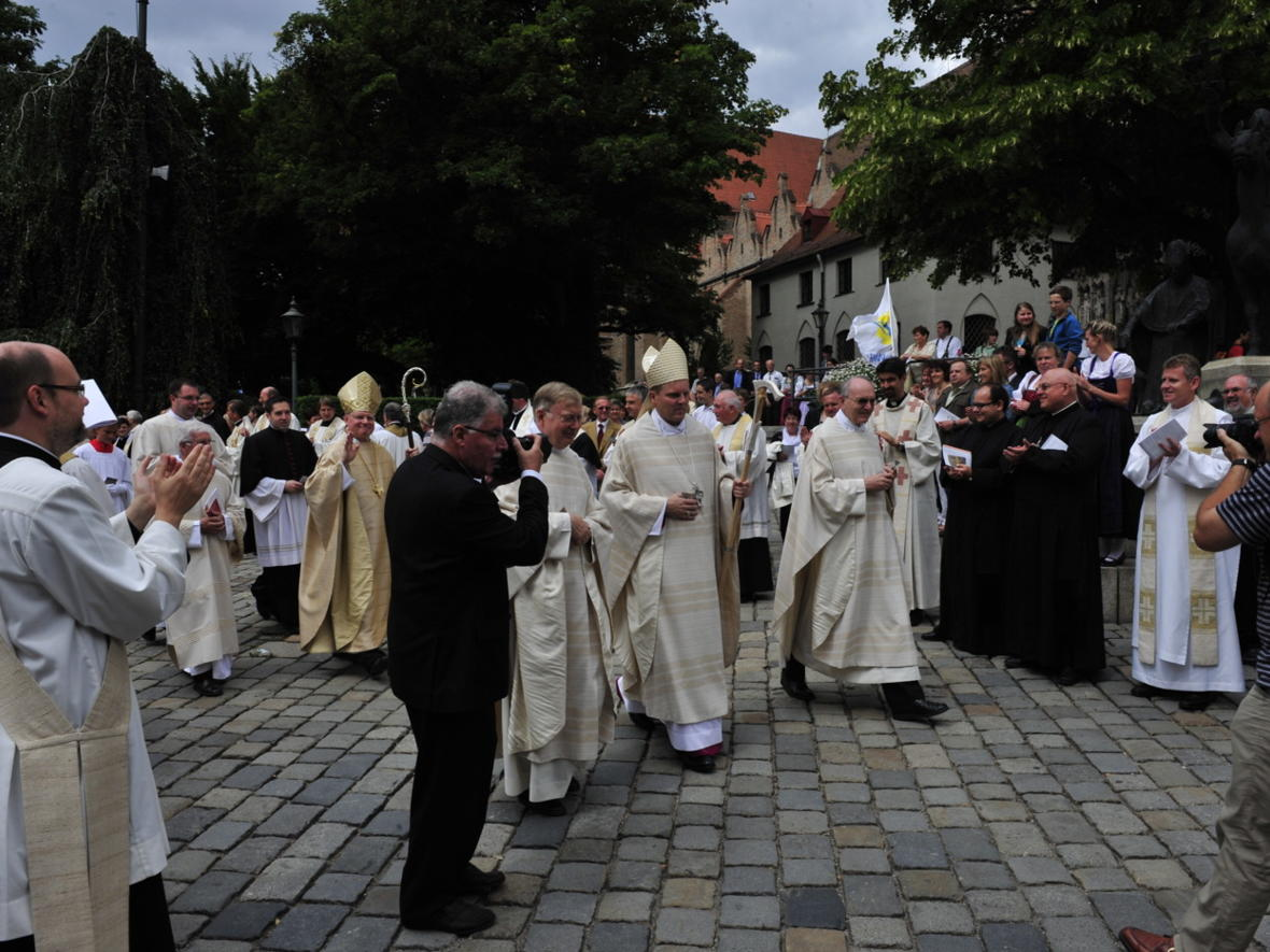 Bischofsweihe_20120728_09-50-20