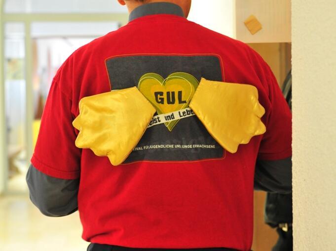 Gul 098