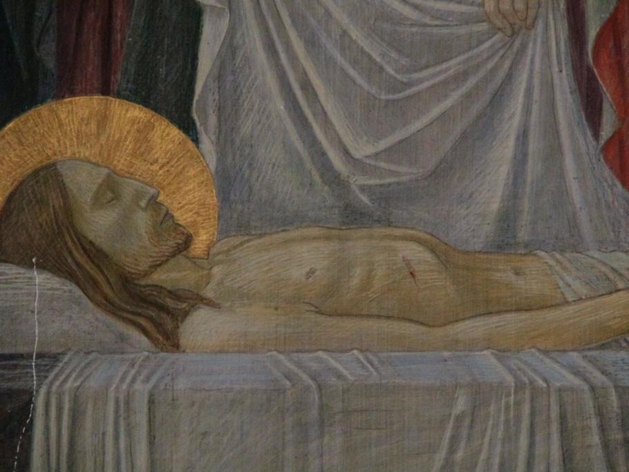 Der heilige Leichnam Jesu wird in das Grab gelegt: Sie legen den Leib des Herrn in das Grab; doch der Tod kann ihn nicht festhalten. Aus dem Grab ersteht das Leben; die neue Schöpfung ist vollbracht.