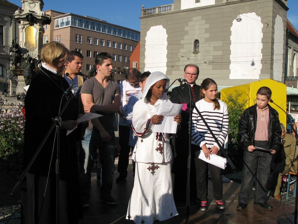 Christen brauchen Bekenntnis - Demo Rathausplatz (1)