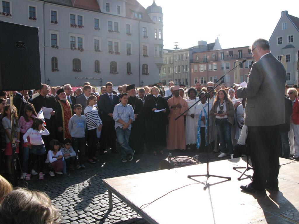 Christen brauchen Bekenntnis - Demo Rathausplatz (10)