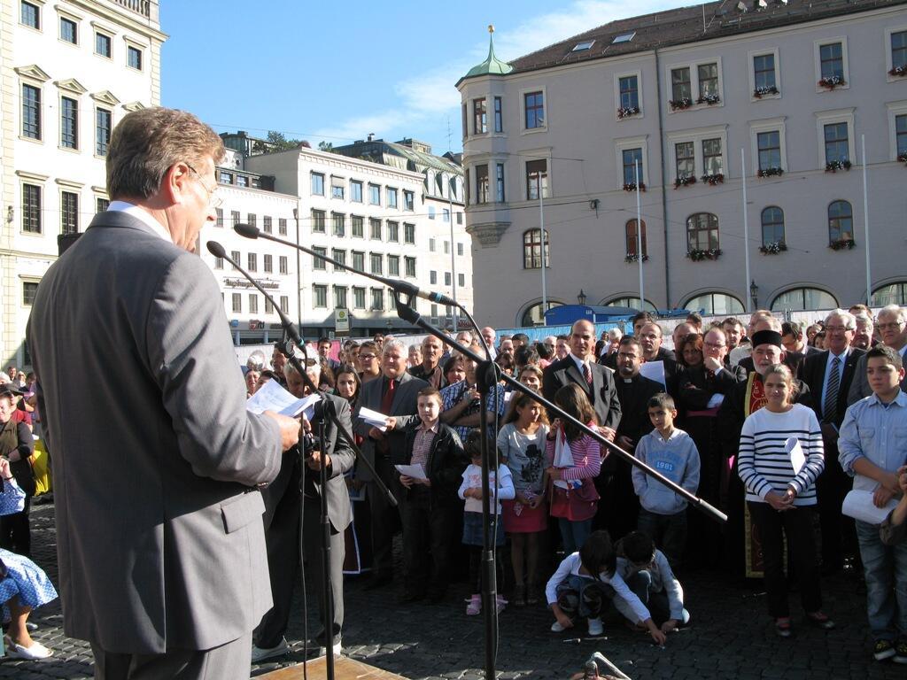 Christen brauchen Bekenntnis - Demo Rathausplatz (12)