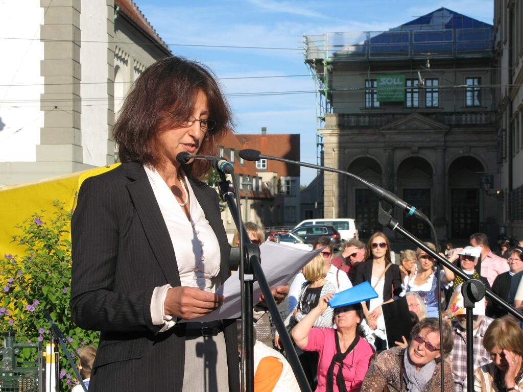 Christen brauchen Bekenntnis - Demo Rathausplatz (17)