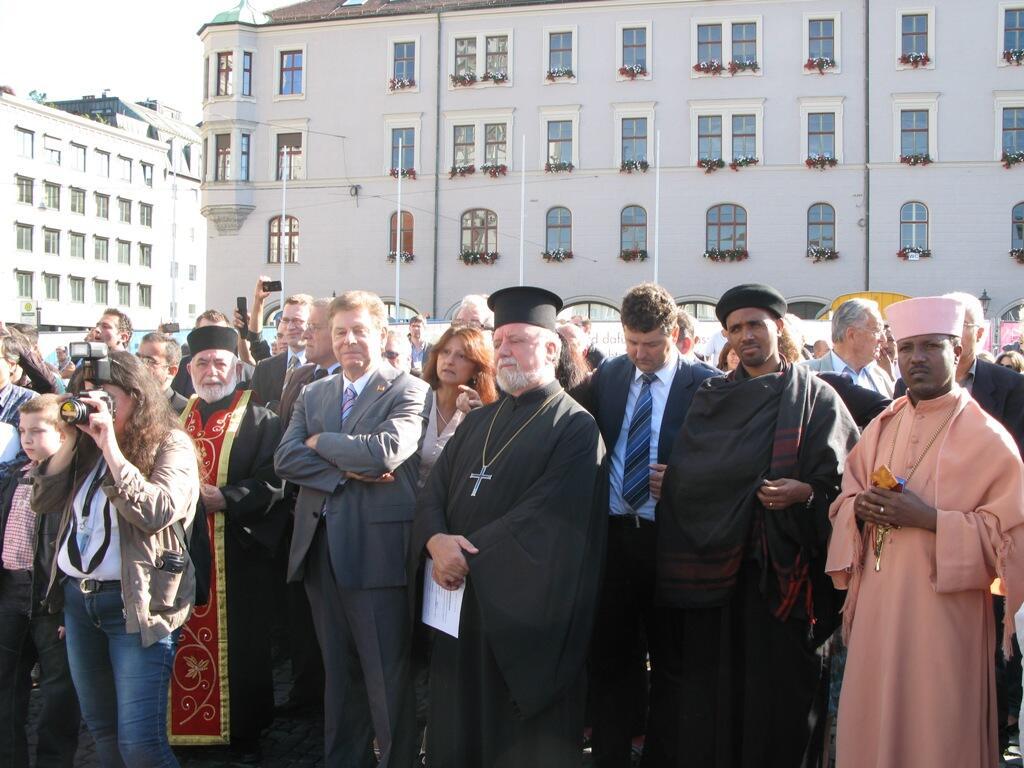 Christen brauchen Bekenntnis - Demo Rathausplatz (6)