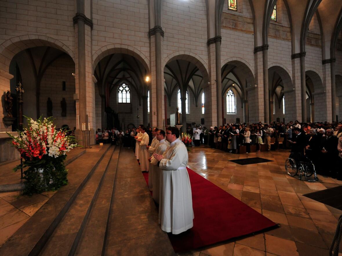 044_2012_Priesterweihe