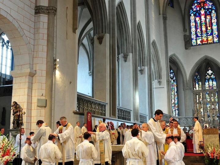238_2012_Priesterweihe