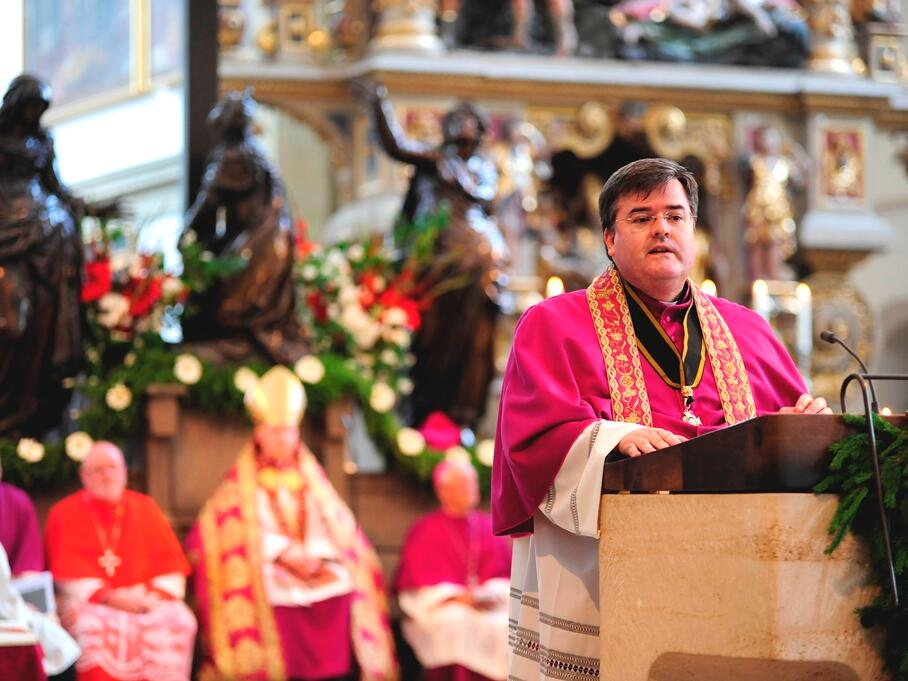 Generalvikar Harald Heinrich bei der Predigt. (Foto: Nicolas Schnall)