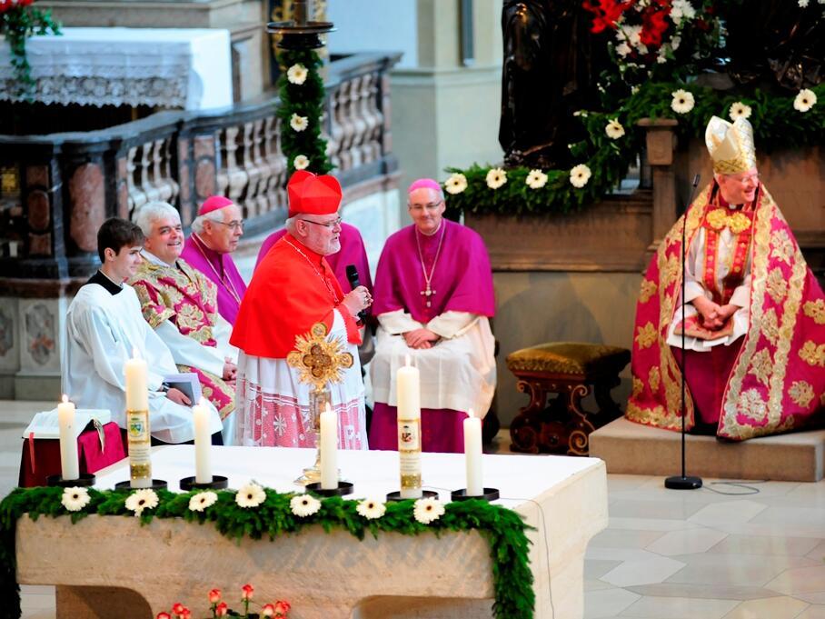 Kardinal Marx überbrachte von der Deutschen und der Freisinger Bischofskonferenz Glück- und Segenswünsche. (Foto: Nicolas Schnall)