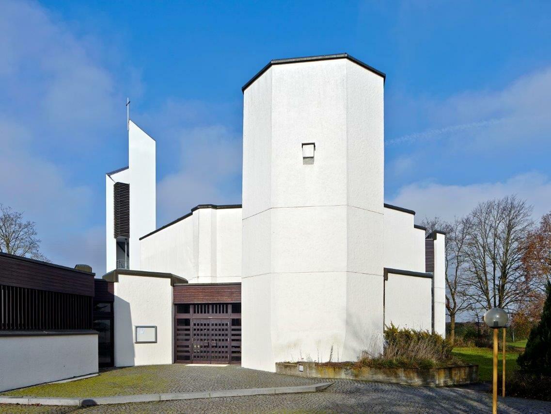 St. Thomas Morus, Neusäß, (1969-1972), Architekt: Alexander Freiherr von Branca (1969-1972) (Foto: Siegfried Wameser)