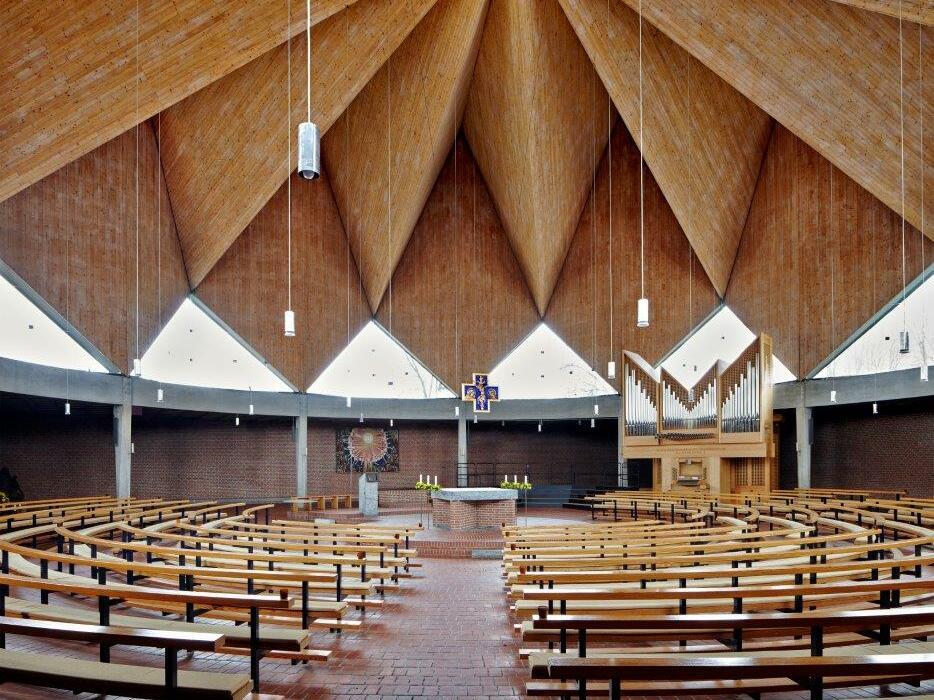 Zu den Heiligen Engeln, Landsberg a. Lech, Architekt: Josef Wiedemann (1963-1967) (Foto: Siegfried Wameser)