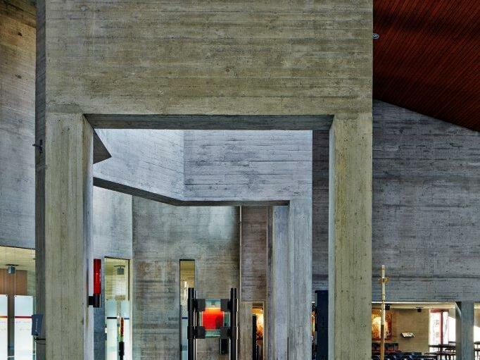 Zur göttlichen Vorsehung, Königsbrunn, (1966-1971), Architekt: Justus Dahinden (Foto: Siegfried Wameser)