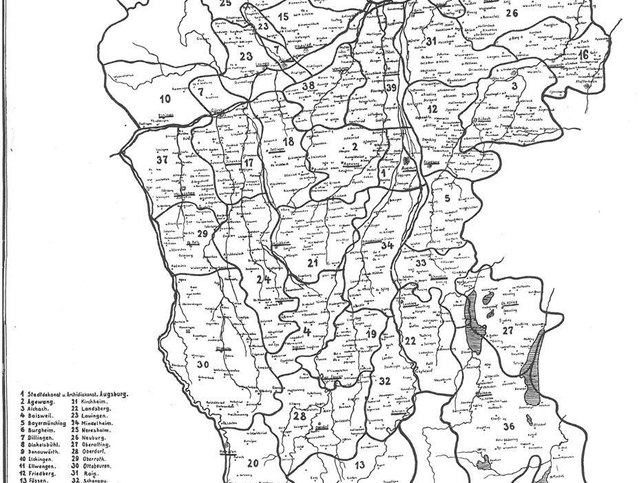 Das Bistum Augsburg ist schon im fünften Jahrhundert bezeugt und damit das älteste im heutigen Bayern. Es erhielt als schwäbisches Bistum seine Gestalt durch die Zusammenlegung bzw. Wiedervereinigung mit dem auf der bayerischen Seite des Lechs gelegenen Bistum Neuburg/Staffelsee. Die Zugehörigkeit zur Kirchenprovinz Mainz ist erstmals 829 nachweisbar. Seit dem Beginn des 16. Jahrhunderts gliederte sich das Bistum Augsburg in den Archidiakonat der Stadt Augsburg und in 39 Landkapitel. Der Gesamtumfang betrug etwa 13.764 Quadratkilometer. Bistumskarte 1915, erstellt nach dem Stand von 1630 unter Fürstbischof Heinrich V. von Knörigen. (Quelle: Archiv des Bistums)
