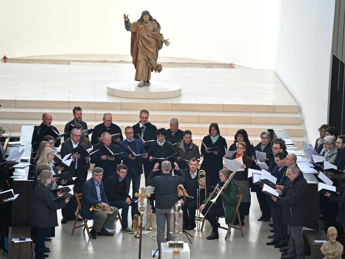 1000 Jahre Moritzkirche_Festgottesdienst mit Bischof Konrad (Foto Nicolas Schnall_pba) 11
