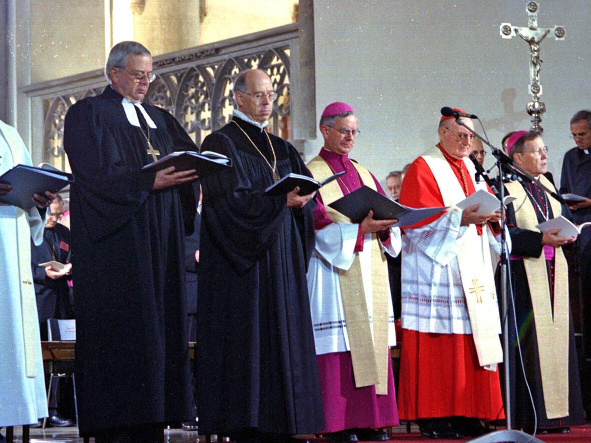 Anlässlich der Gemeinsamen Erklärung zur Rechtfertigungslehre 1999 fand auch im Augsburger Dom ein Gottesdienst statt. (Foto: Annette Zoepf)
