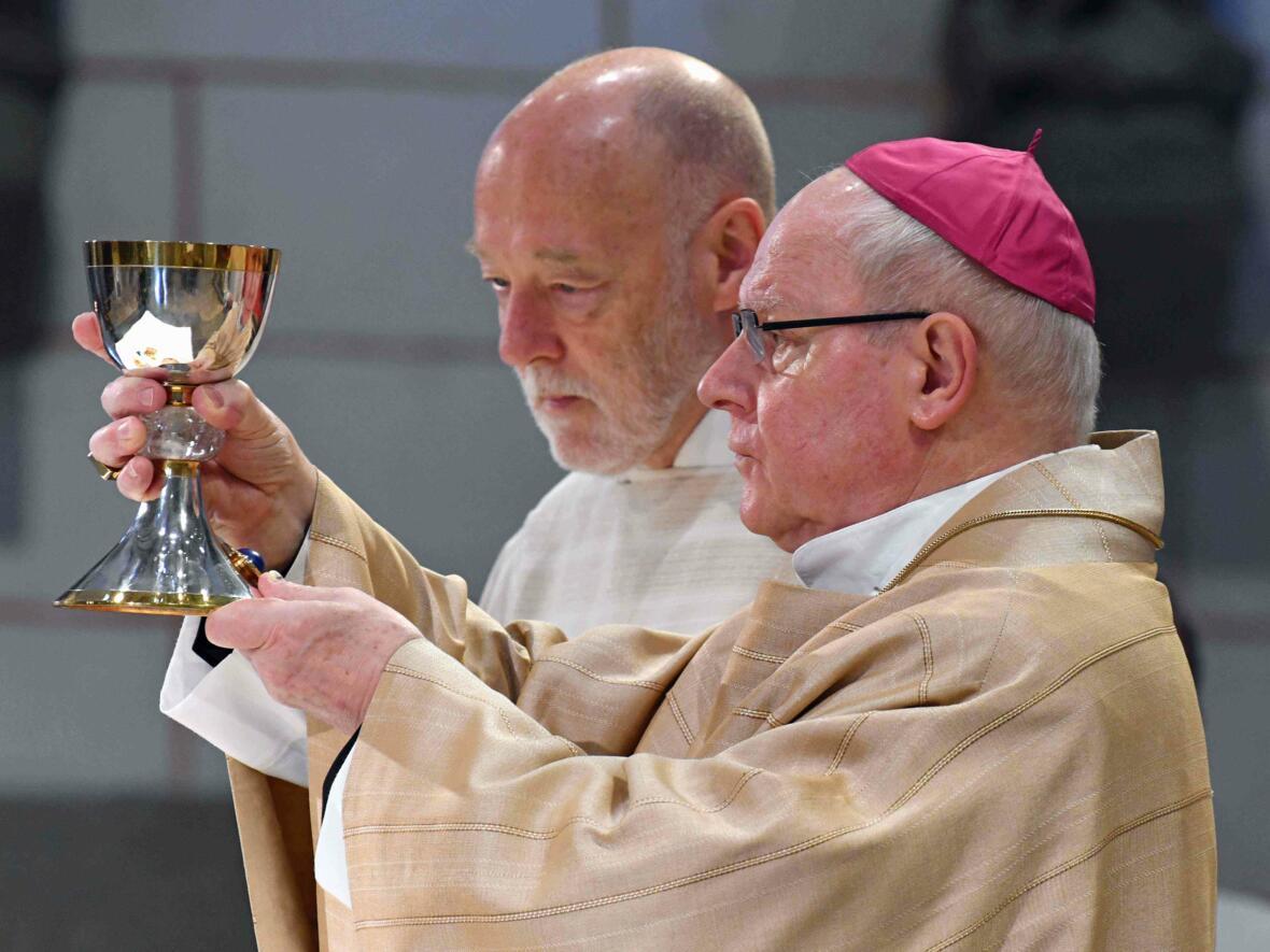 Dankgottesdienst 75. Geburtstag Bischof Dr. Konrad Zdarsa (Foto Nicolas Schnall_pba) 08
