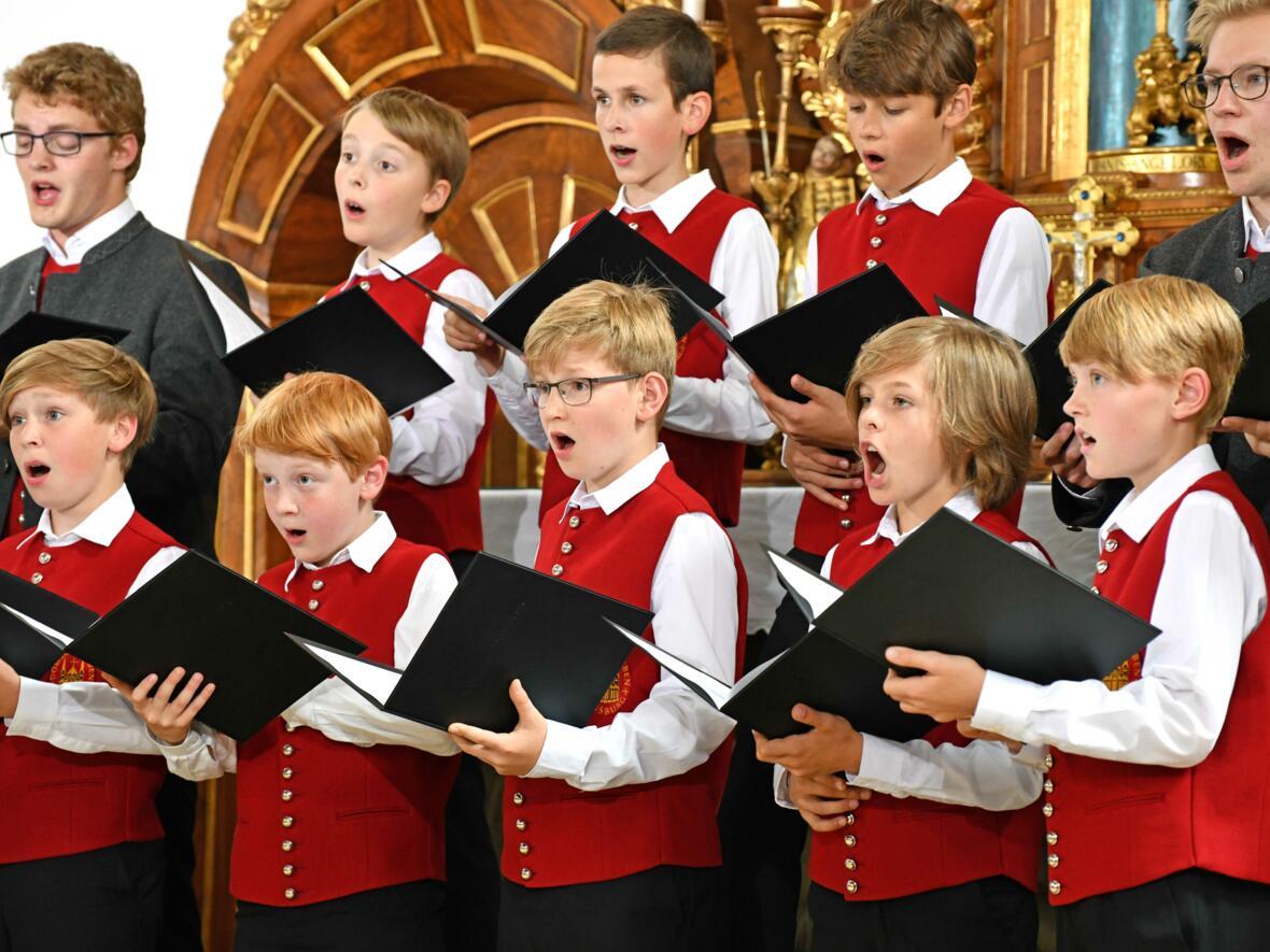 Augsburger Domsingknaben_Das Weihnachtslied Ihr Kinderlein kommet neu arrangiert (Foto_Nicolas Schnall_pba)_5