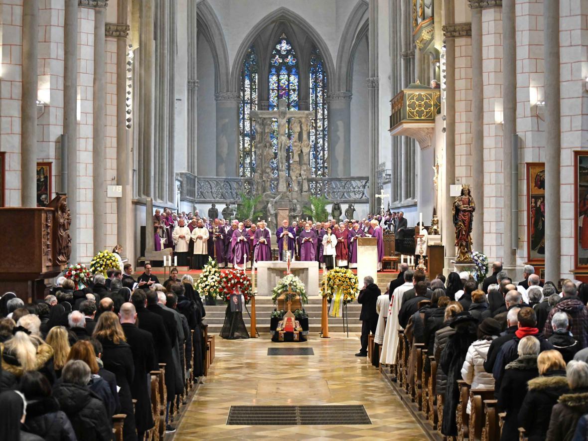 Begräbnisfeier für Bischof em Viktor Josef Dammertz (Foto Nicolas Schnall_pba) 10