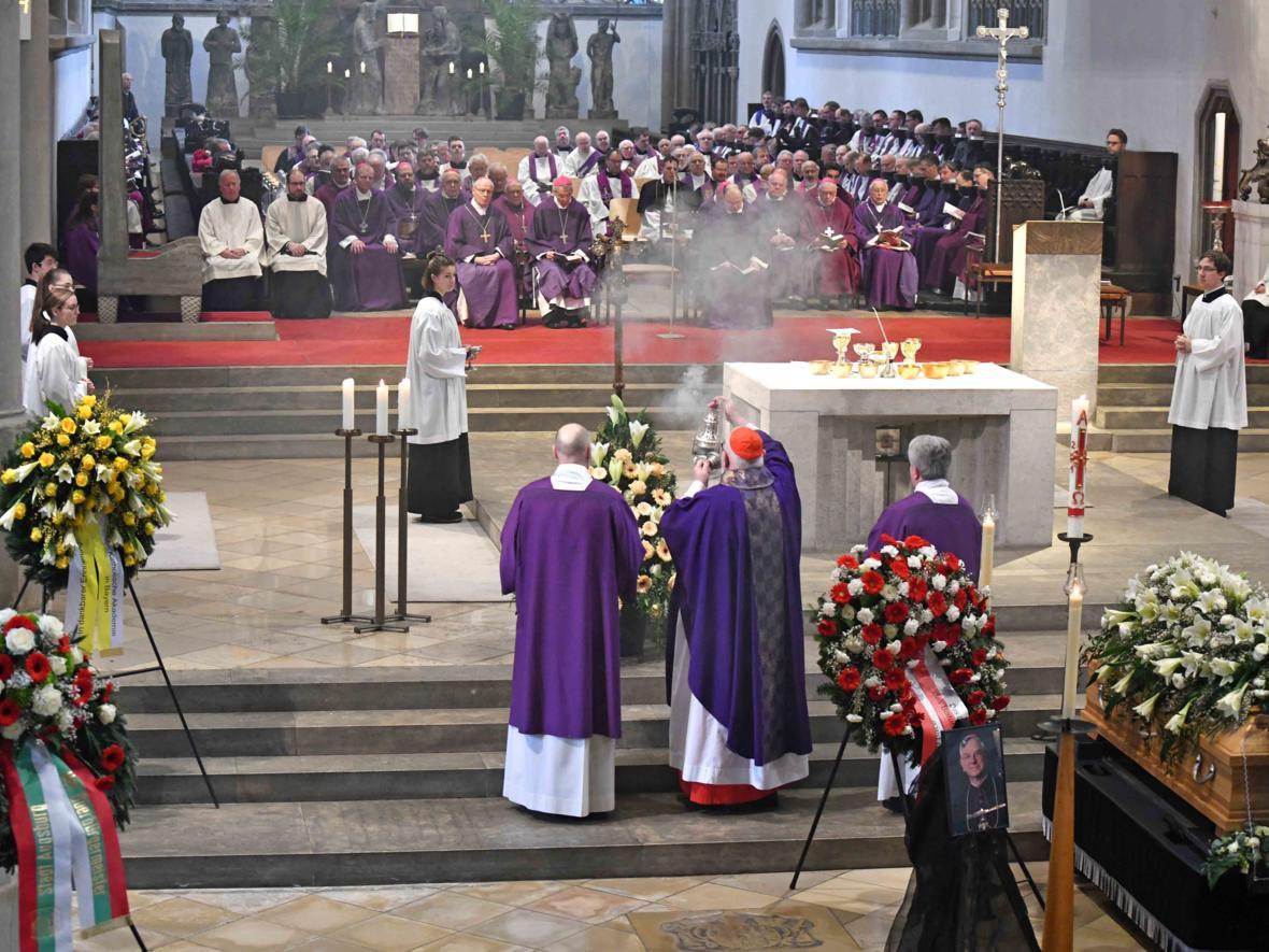 Begräbnisfeier für Bischof em Viktor Josef Dammertz (Foto Nicolas Schnall_pba) 11