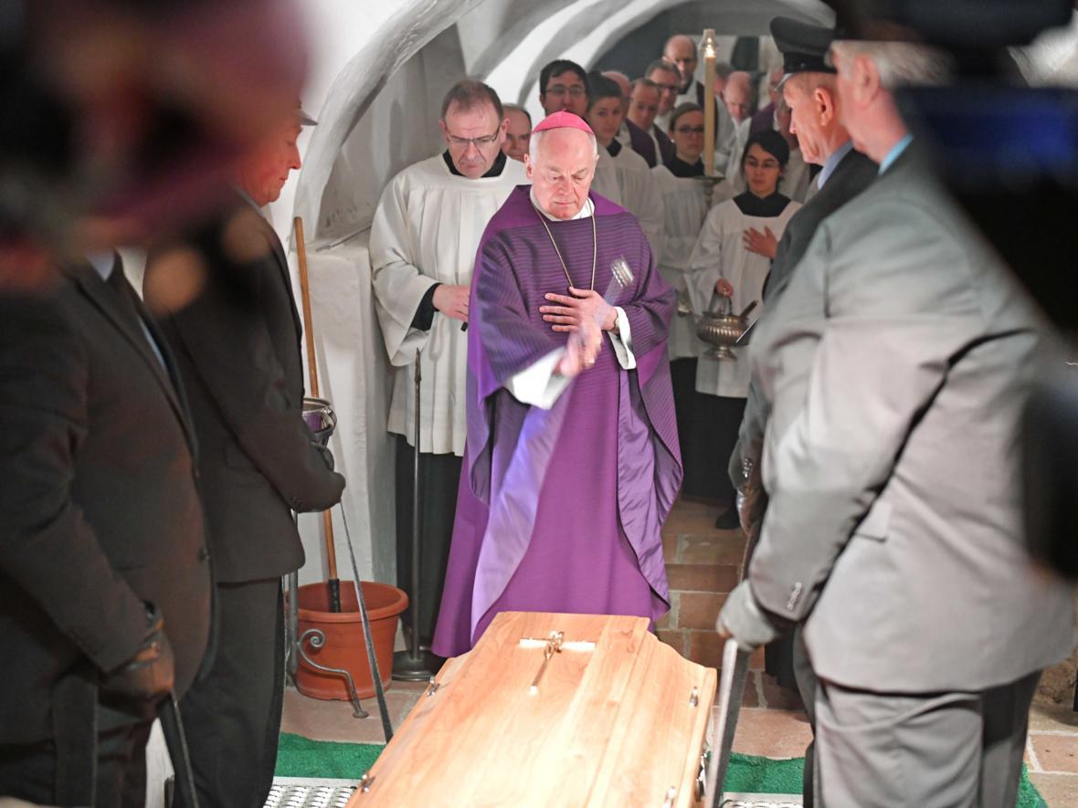 Begräbnisfeier für Bischof em Viktor Josef Dammertz (Foto Nicolas Schnall_pba) 17