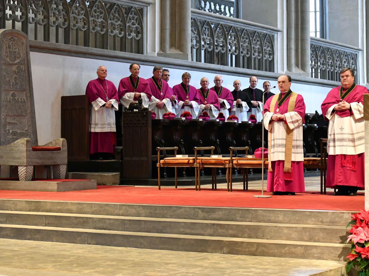 10 Bekanntgabe neuer Bischof von Augsburg_Bald wird die Kathedra wieder in Besitz genommen sein (Foto Nicolas Schnall_pba)