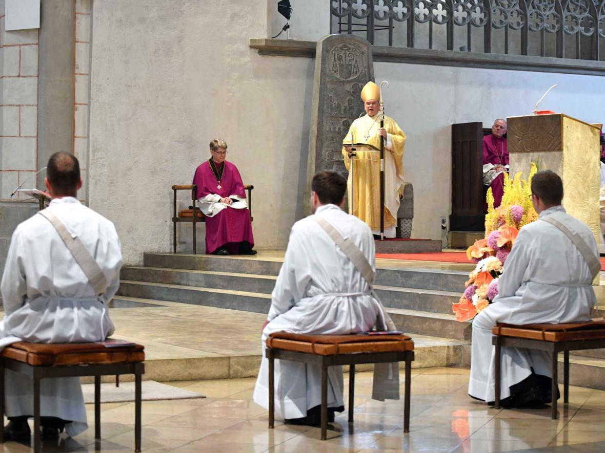 Priesterweihe 2020 im Hohen Dom zu Augsburg (Foto Nicolas Schnall_pba) DSC_4247