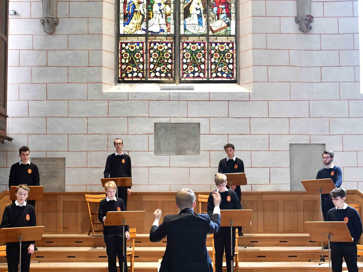 Priesterweihe 2020 im Hohen Dom zu Augsburg (Foto Nicolas Schnall_pba) DSC_4267