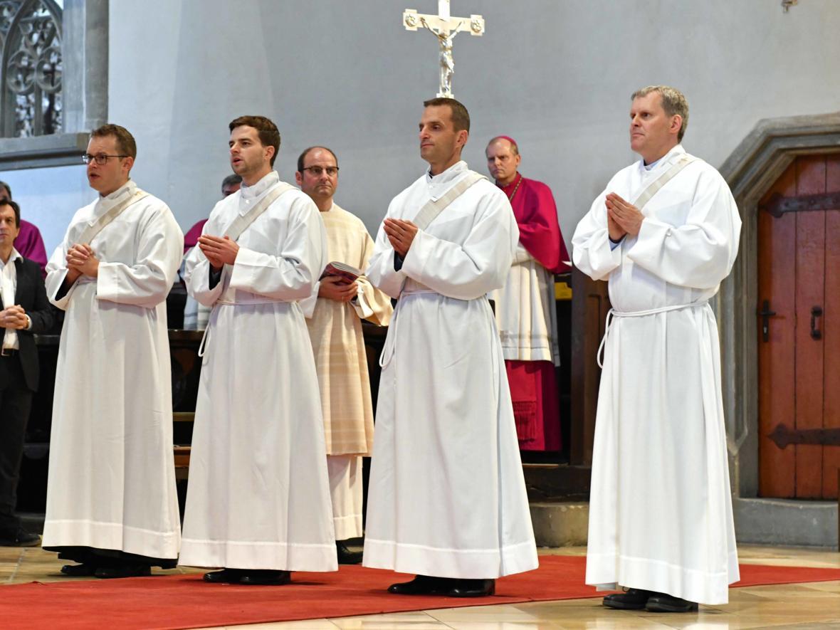 Priesterweihe 2020 im Hohen Dom zu Augsburg (Foto Nicolas Schnall_pba) DSC_4277