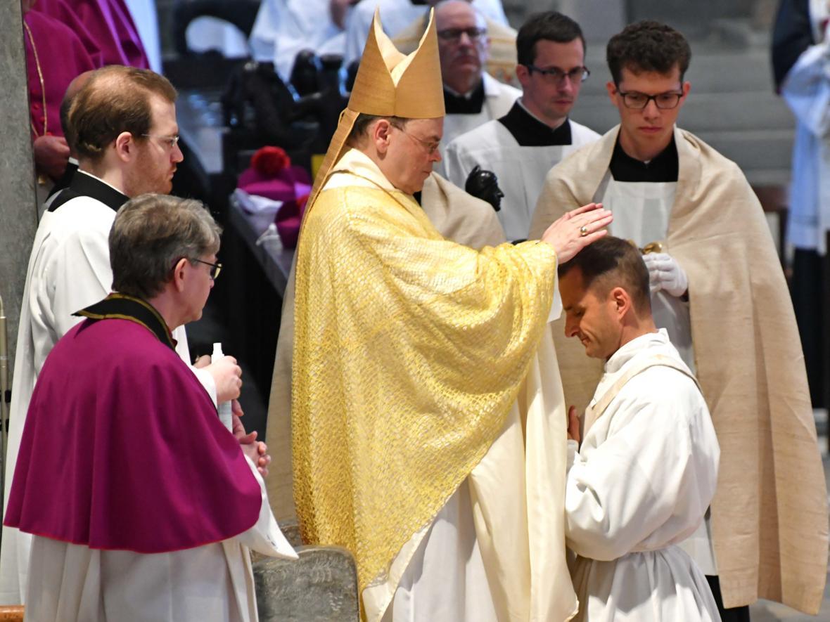 Priesterweihe 2020 im Hohen Dom zu Augsburg (Foto Nicolas Schnall_pba) DSC_4313