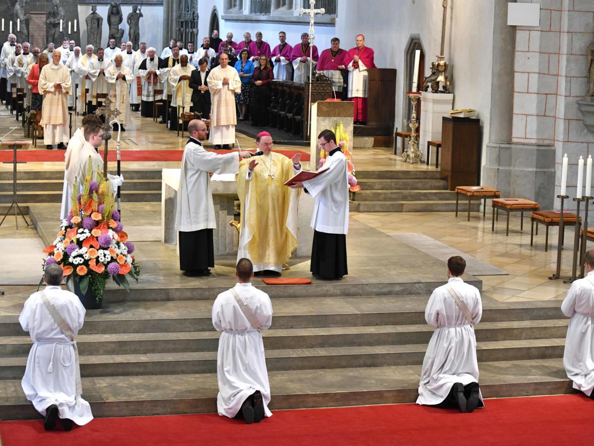 Priesterweihe 2020 im Hohen Dom zu Augsburg (Foto Nicolas Schnall_pba) DSC_4320