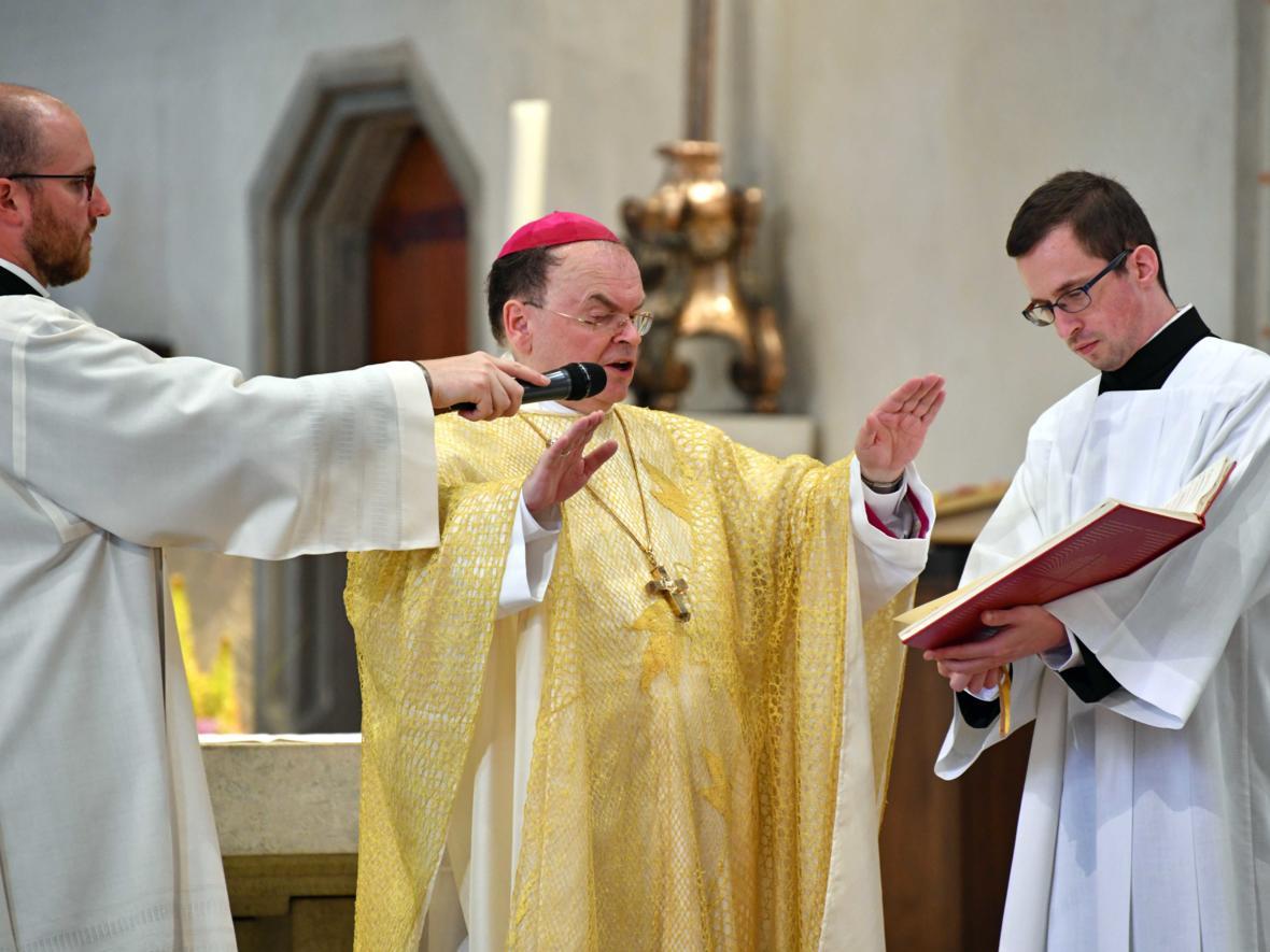Priesterweihe 2020 im Hohen Dom zu Augsburg (Foto Nicolas Schnall_pba) DSC_4324