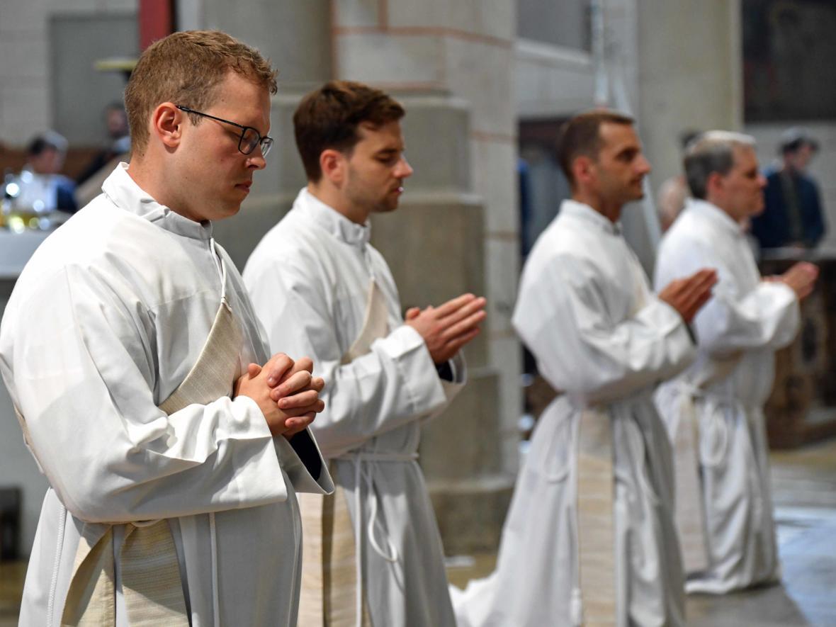 Priesterweihe 2020 im Hohen Dom zu Augsburg (Foto Nicolas Schnall_pba) DSC_4333