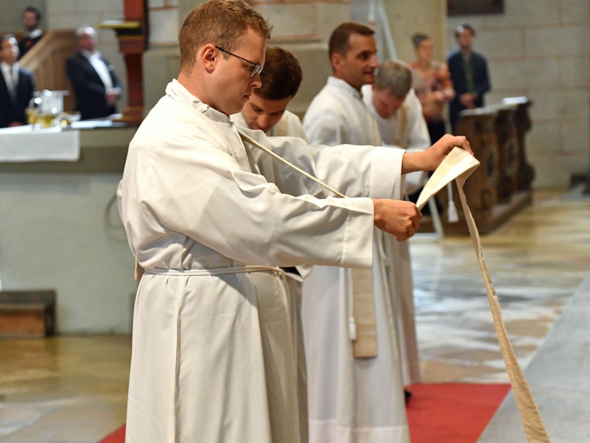 Priesterweihe 2020 im Hohen Dom zu Augsburg (Foto Nicolas Schnall_pba) DSC_4337