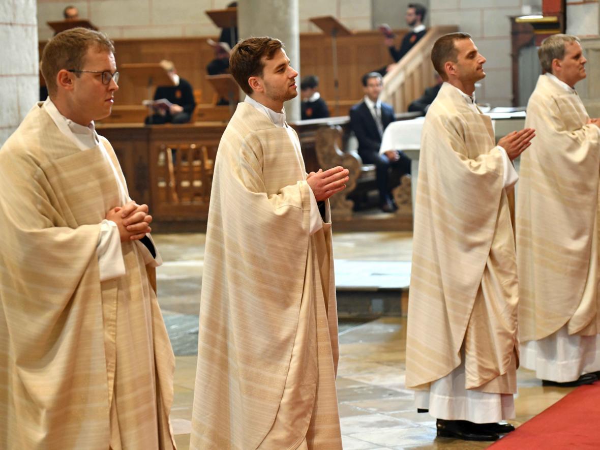 Priesterweihe 2020 im Hohen Dom zu Augsburg (Foto Nicolas Schnall_pba) DSC_4353