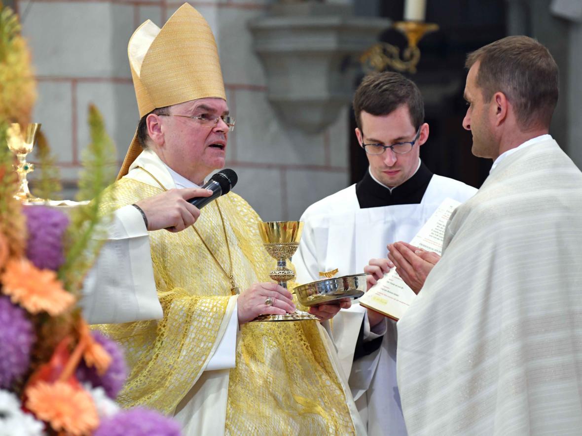 Priesterweihe 2020 im Hohen Dom zu Augsburg (Foto Nicolas Schnall_pba) DSC_4370