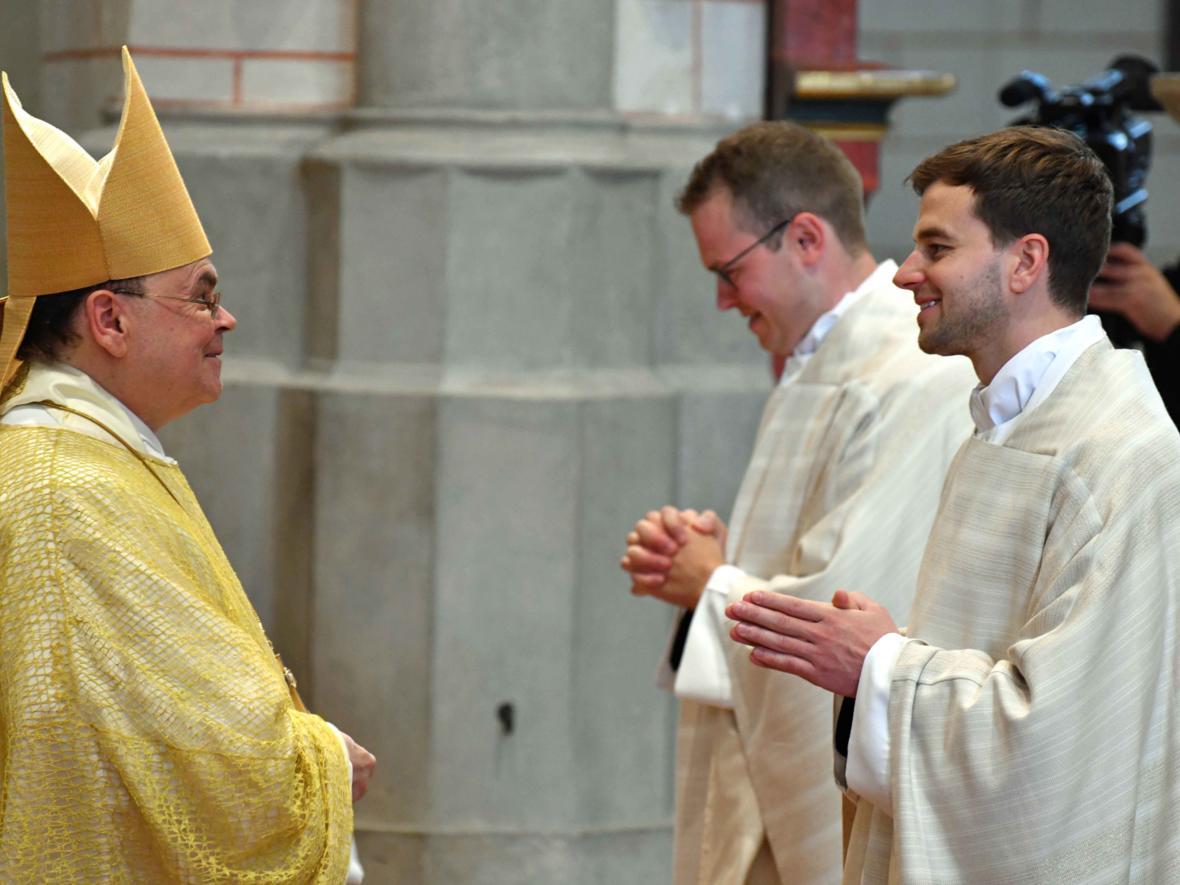 Priesterweihe 2020 im Hohen Dom zu Augsburg (Foto Nicolas Schnall_pba) DSC_4382