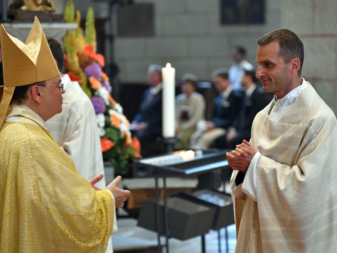 Priesterweihe 2020 im Hohen Dom zu Augsburg (Foto Nicolas Schnall_pba) DSC_4384