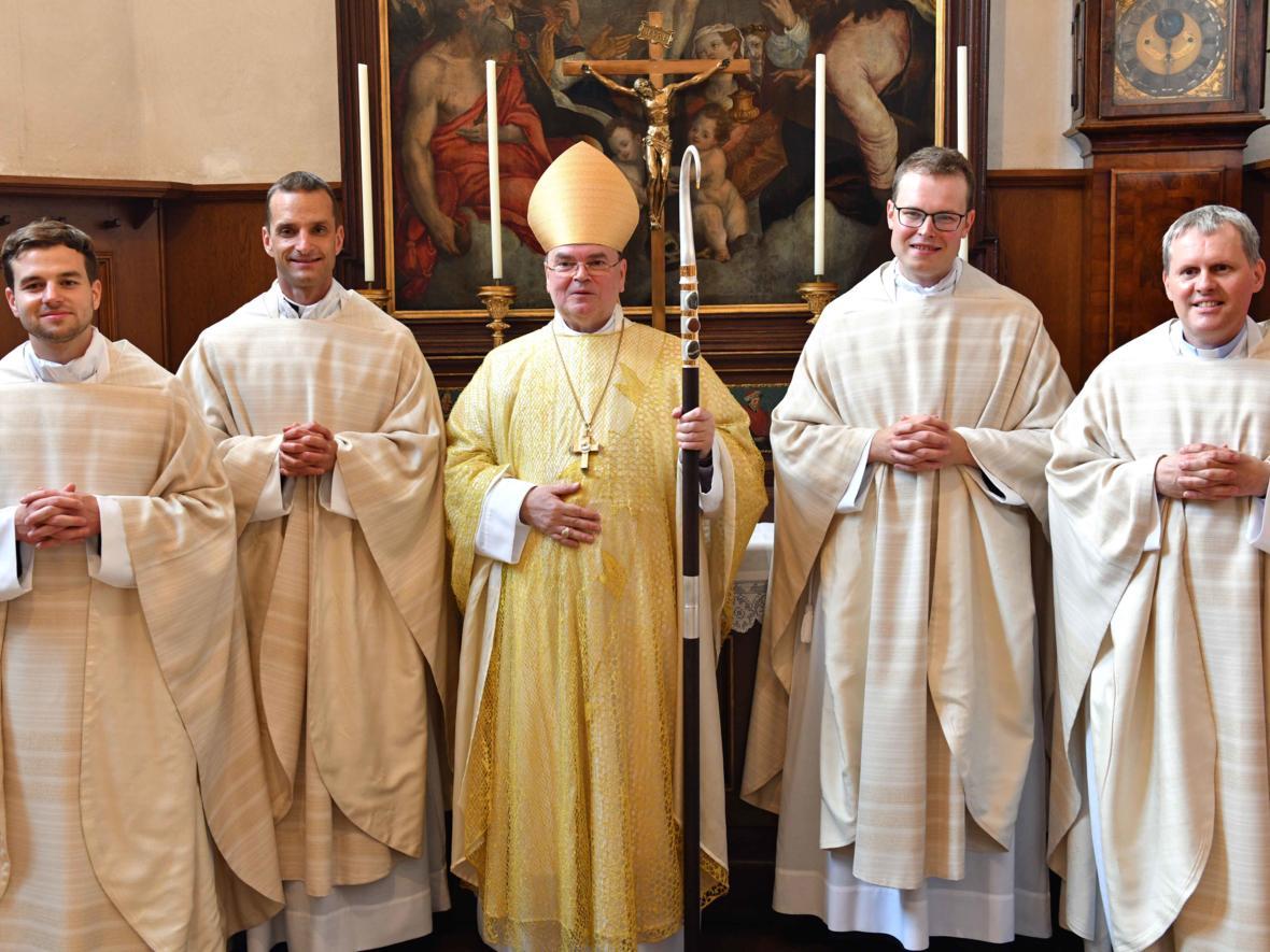 Priesterweihe 2020 im Hohen Dom zu Augsburg (Foto Nicolas Schnall_pba) DSC_4515