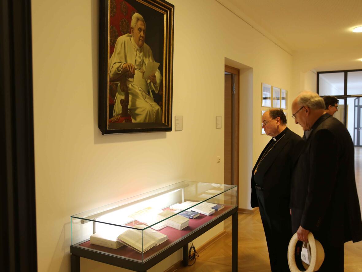 05_Besuch Institut Papst Benedikt_Foto Veit Neumann