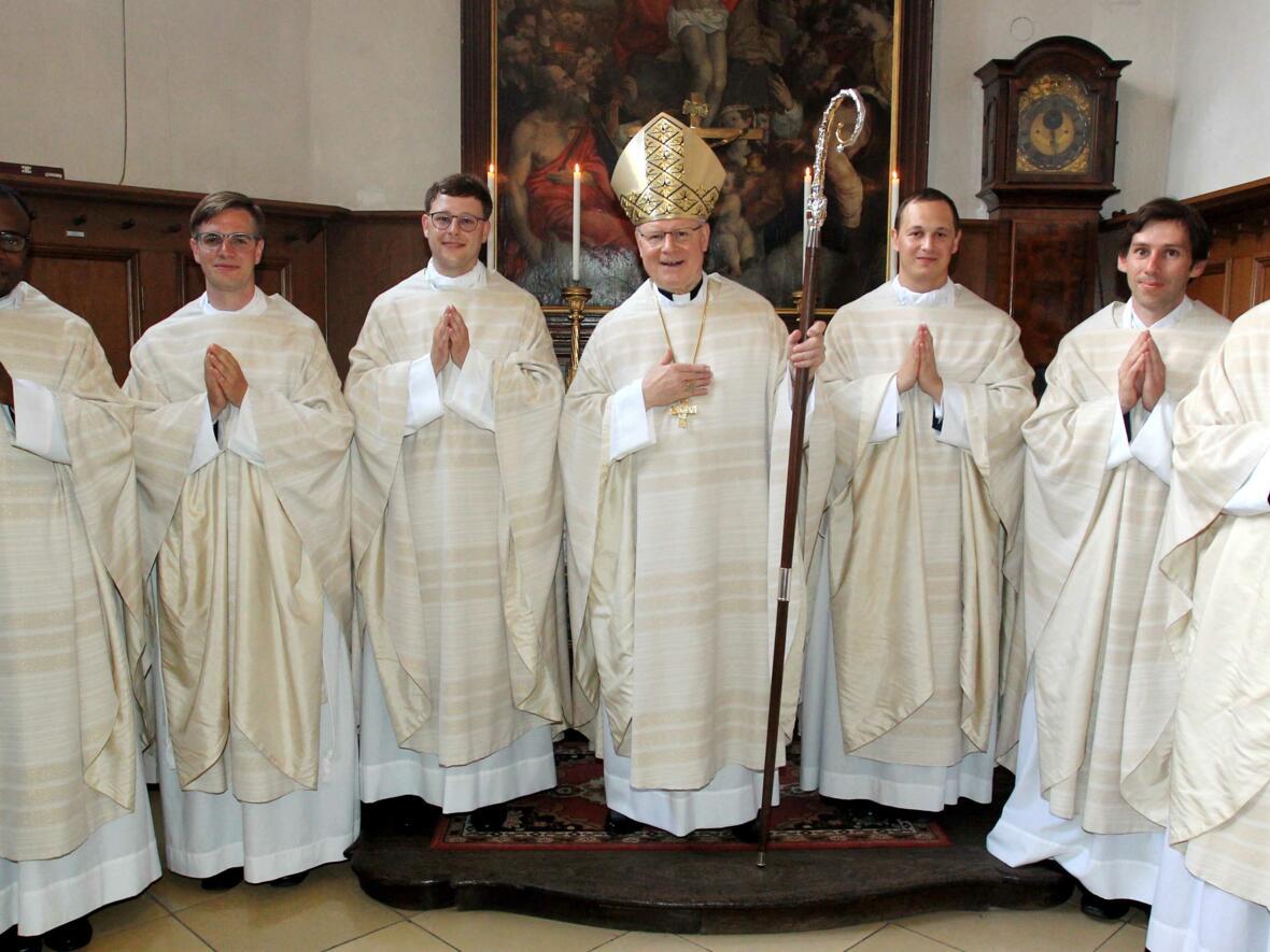 00_Priesterweihe Gruppenfoto