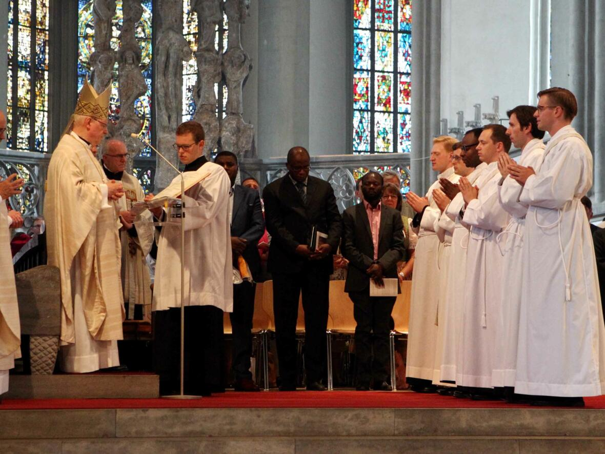 01_Priesterweihe