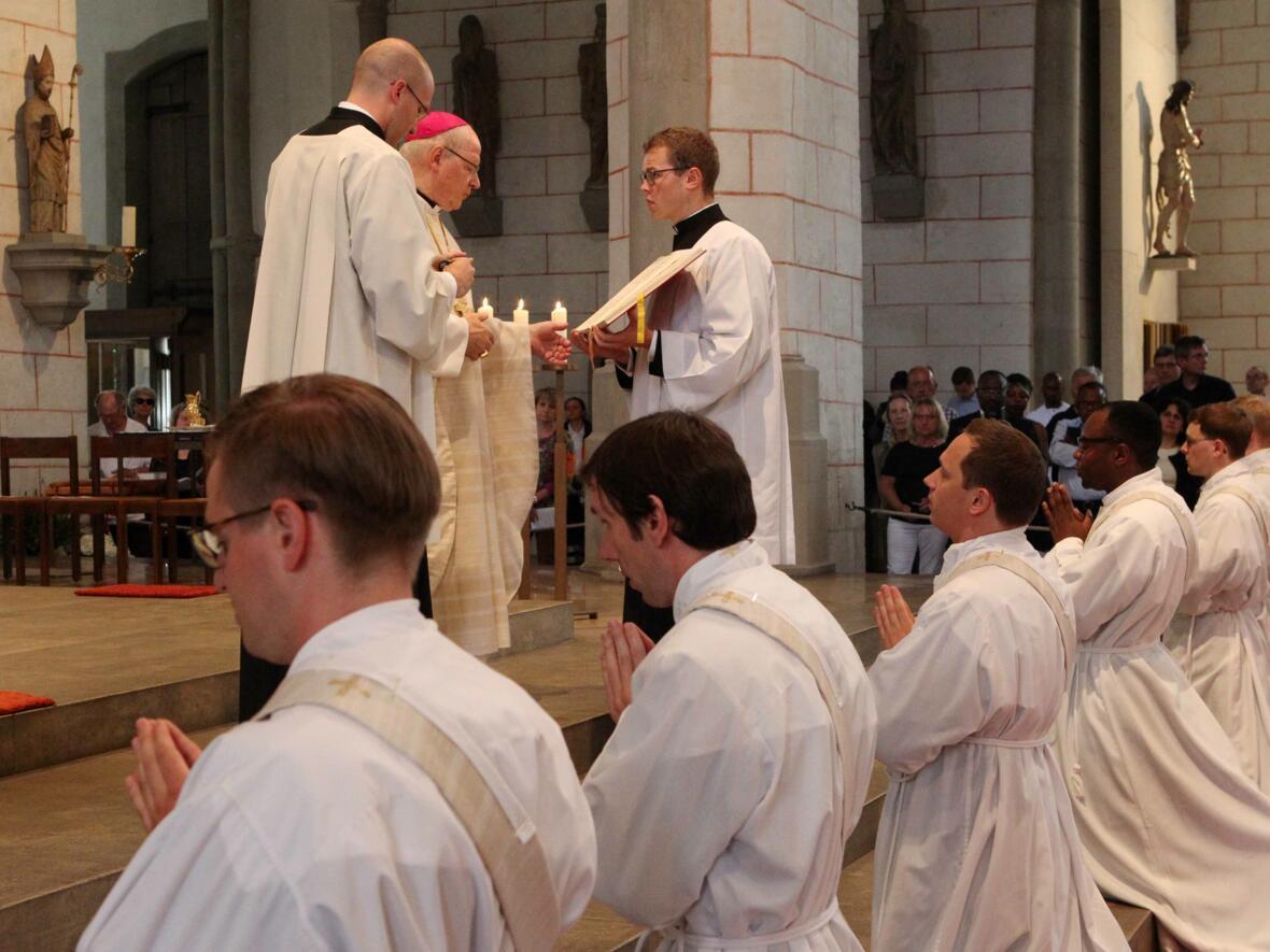 04_1_Priesterweihe