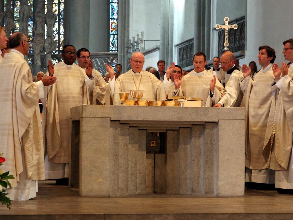 15_1_Priesterweihe