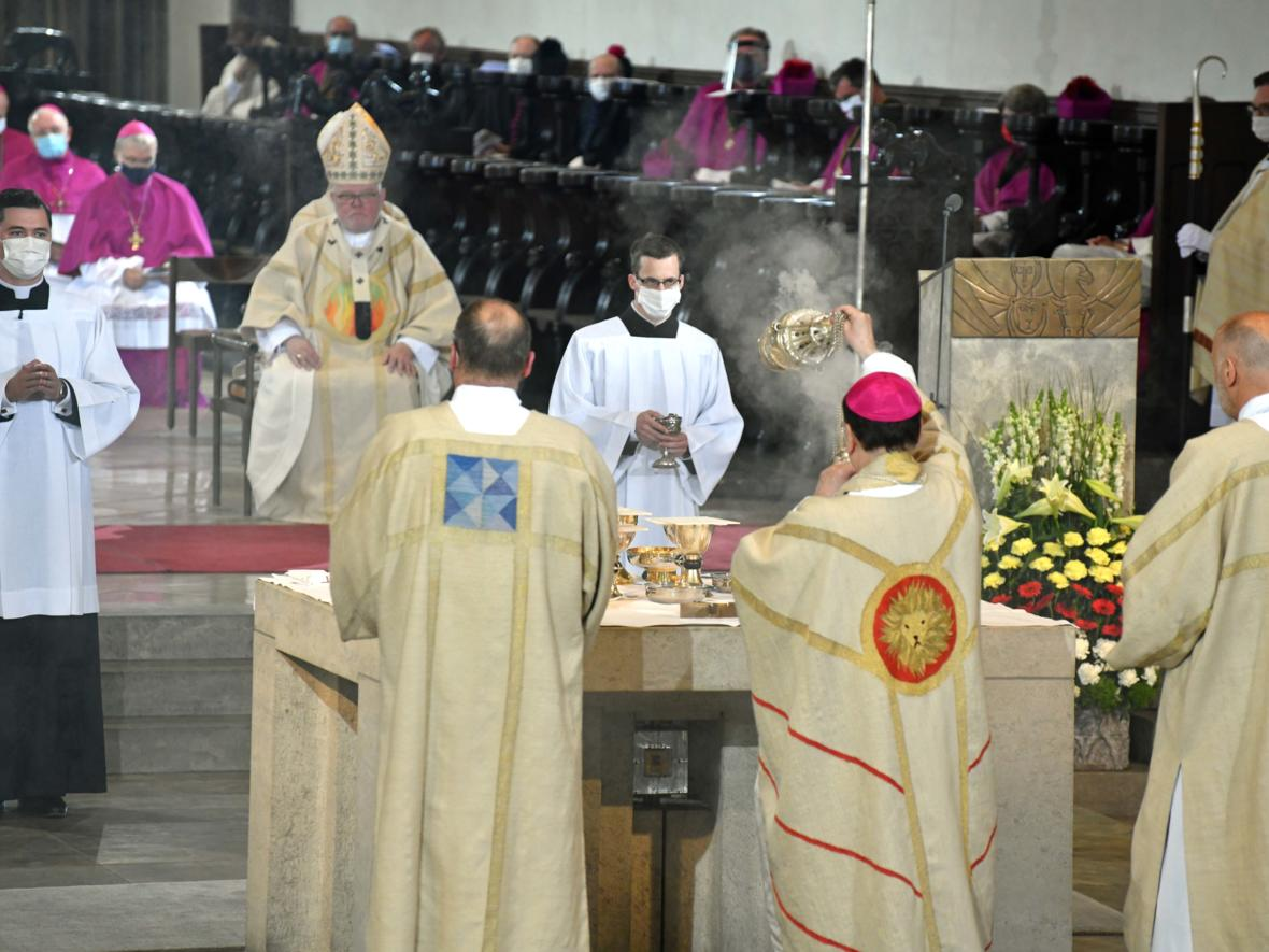 Bischofsweihe Dr. Bertram Meier (Foto Nicolas Schnall_pba) 3106