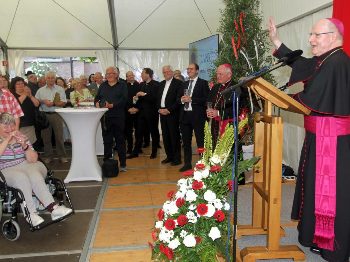 Dankgottesdienst zur Verabschiedung von Bischof Konrad (Foto Annette Zoepf_pba) 27