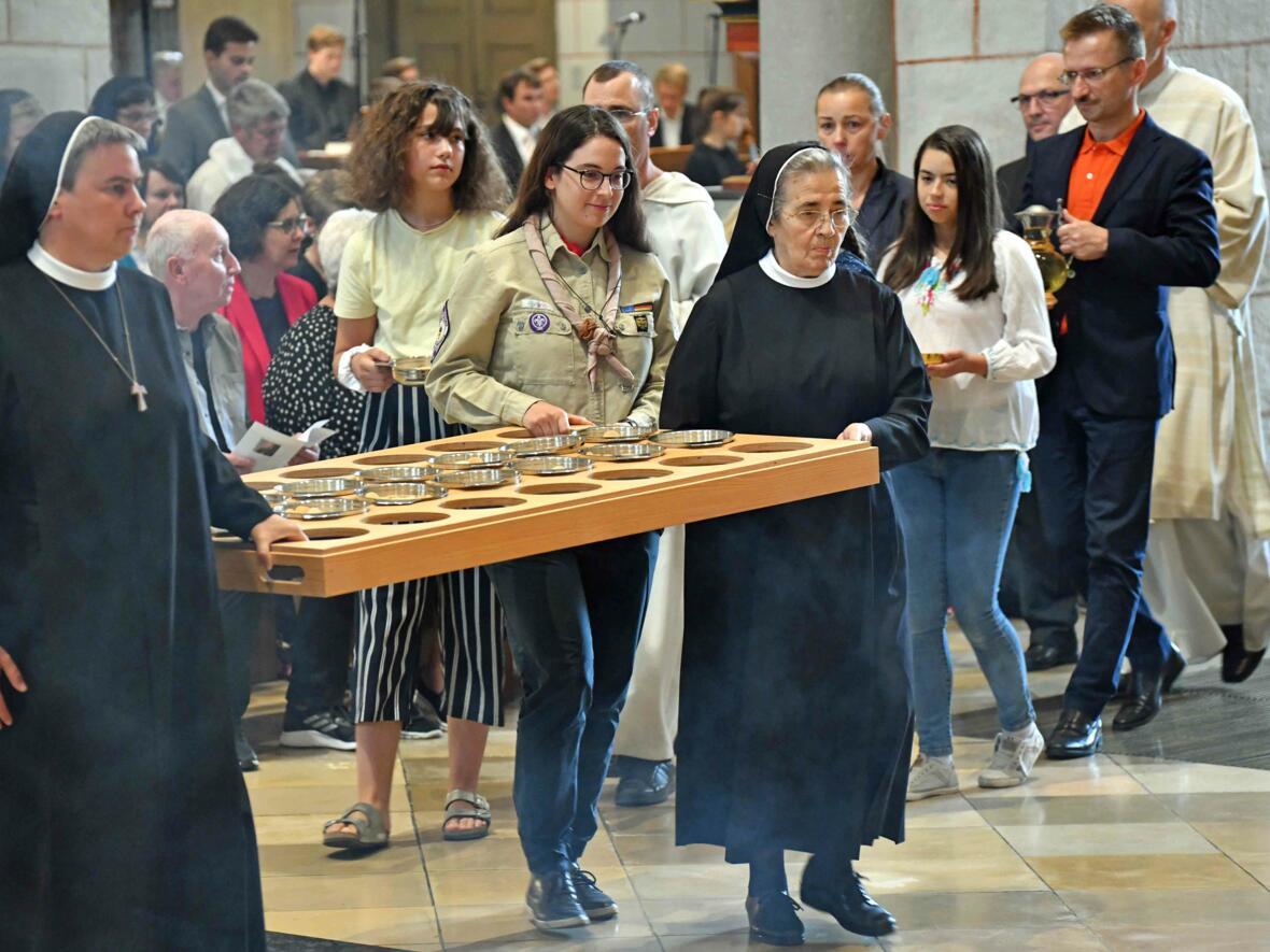 Dankgottesdienst zur Verabschiedung von Bischof Konrad (Foto Nicolas Schnall_pba) 35